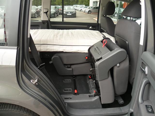 easy bed car votre lit dans votre voiture monospaces compacts. Black Bedroom Furniture Sets. Home Design Ideas