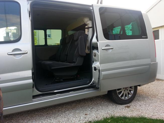 easy bed car votre lit dans votre voiture minibus. Black Bedroom Furniture Sets. Home Design Ideas