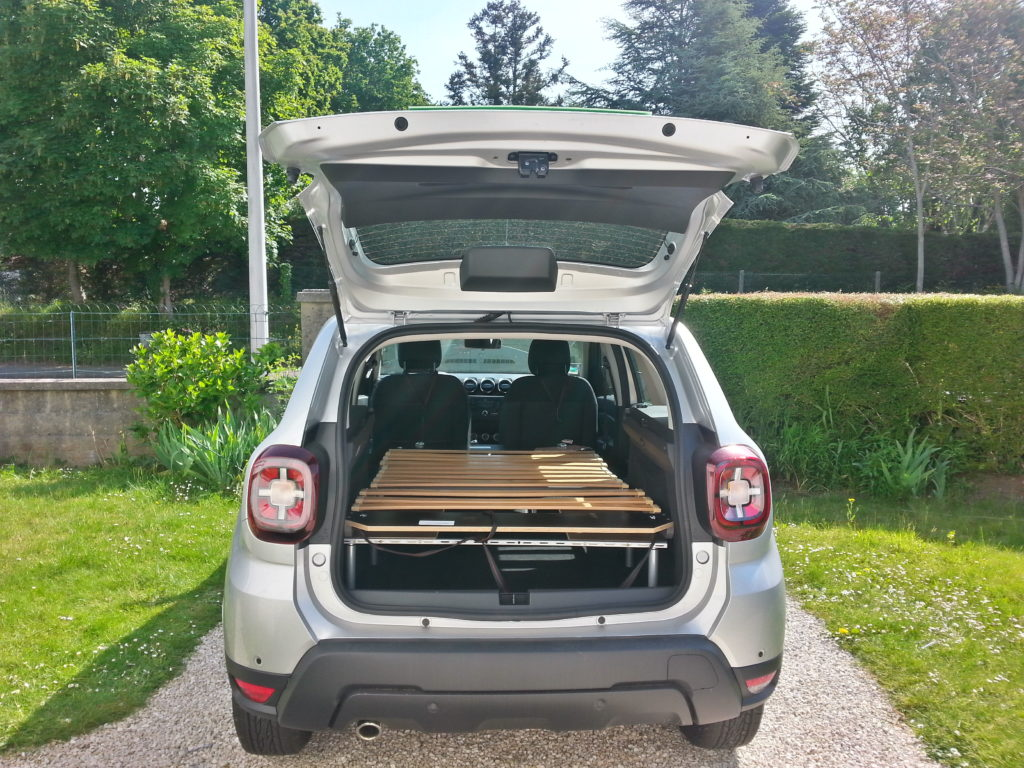 Dacia-duster-equipement-lit-camping