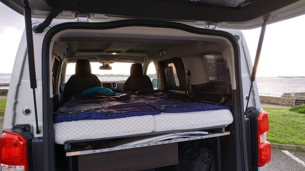 Aménagement lit Easy Bed Car pour minibus Citroen Spacetourer Jumpy